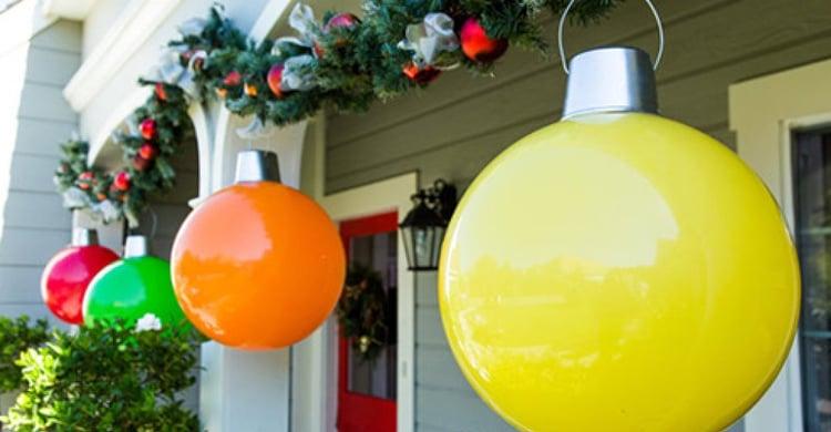 Outdoor Christmas Decoration Idea #2: Giant Christmas Ornaments