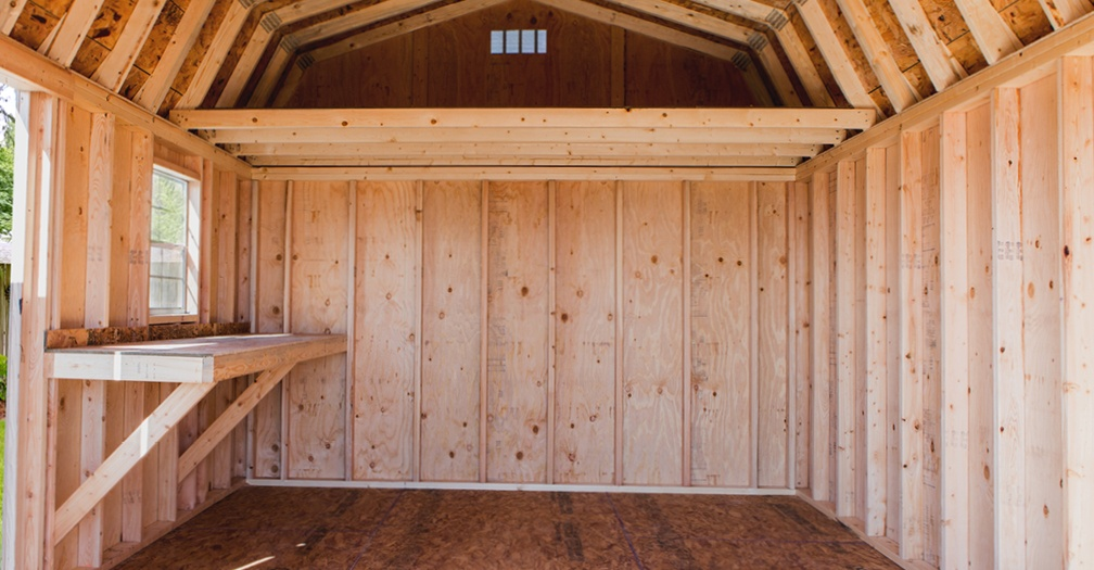 Built-in workbench and loft