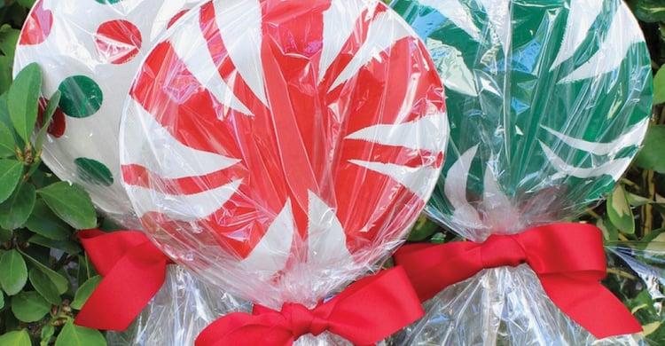 Outdoor Christmas Decoration Idea #1: Giant Lollipops