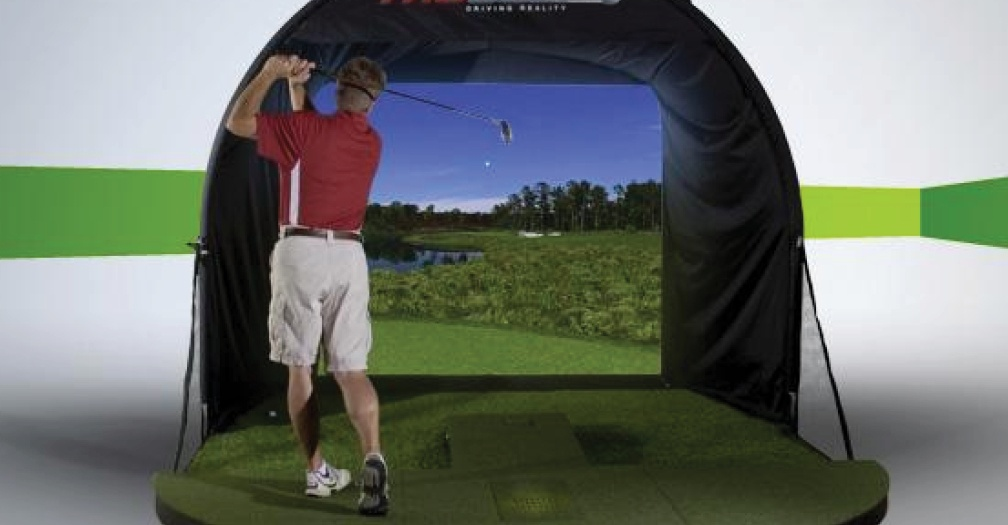 Golf simulator for year round golf practice, compact option