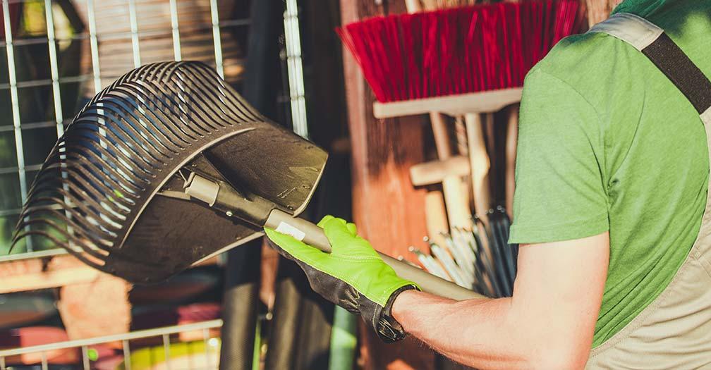 10 Garden Tools That Every Gardener Should Have